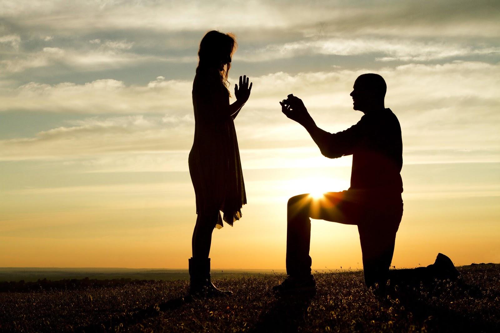 Cặp đôi uyên ương cầu hôn trên đỉnh núi cao 6.400 m