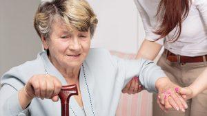 Tìm hiểu về cách phòng tránh tai biến cho người lớn tuổi