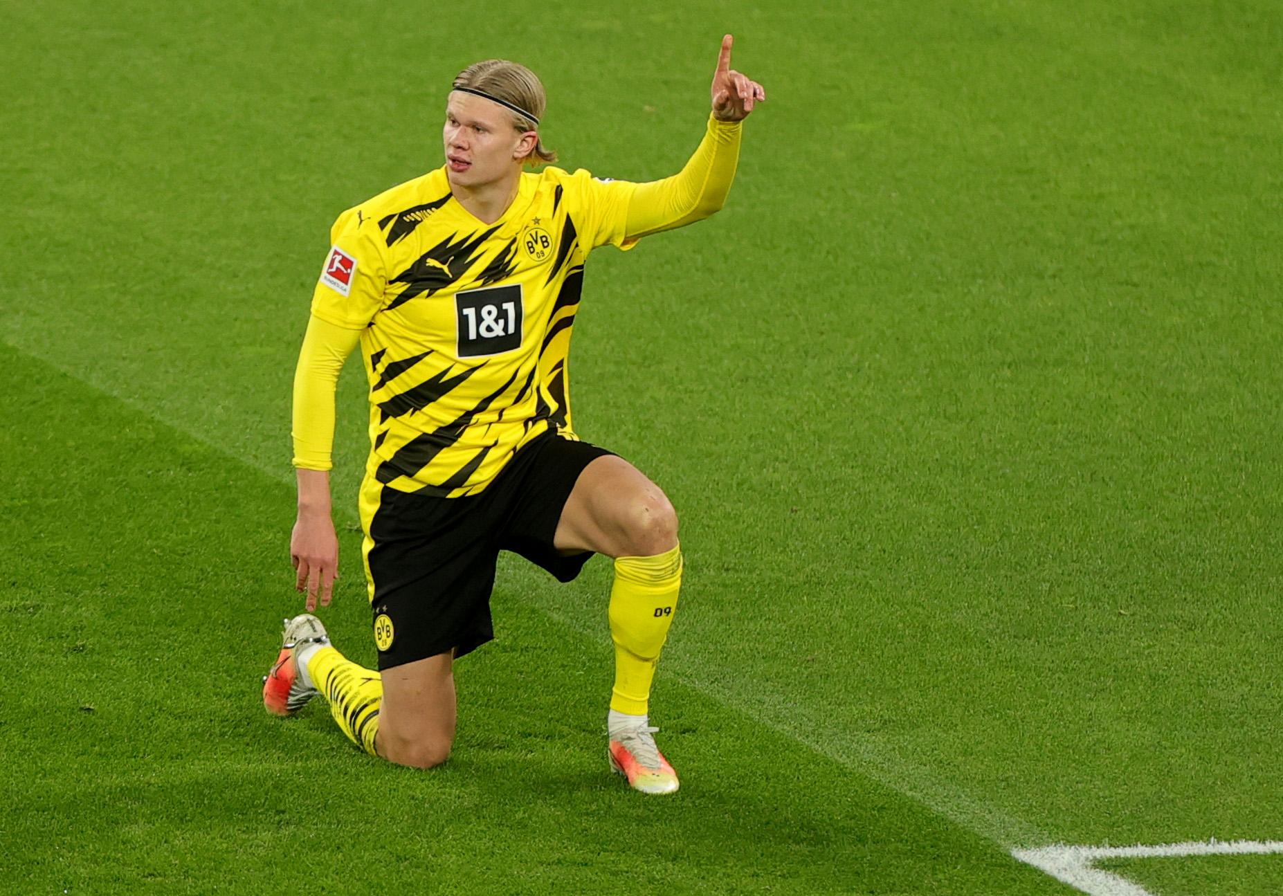 Bayern sẽ không thể mua Erling Haaland vì mức lương Raiola đưa ra