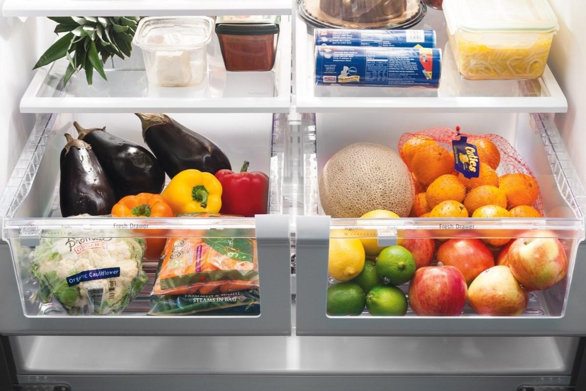 Không nên để tủ lạnh trống rỗng