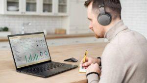 Lenovo chính thức trình làng mẫu máy ThinkPad X1 Extreme Gen 4