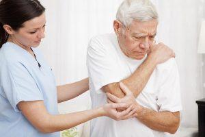 Biện pháp giúp phòng tránh bệnh xương khớp ở người cao tuổi