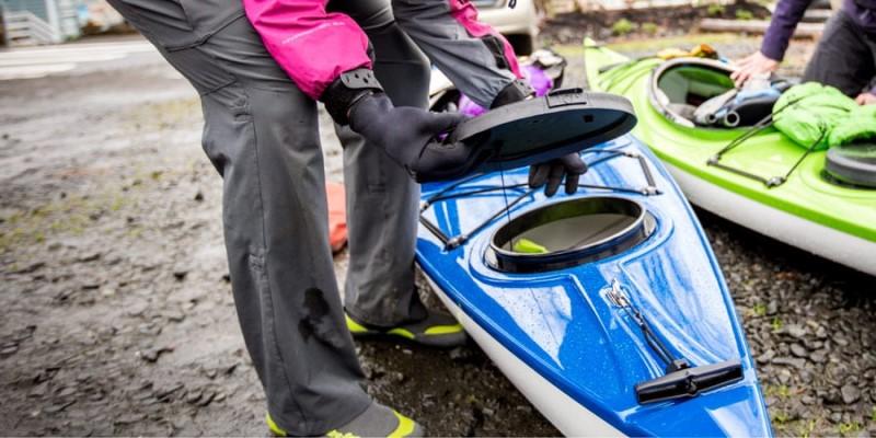 Cất mái chèovà bảo quản thực phẩm trong thuyền