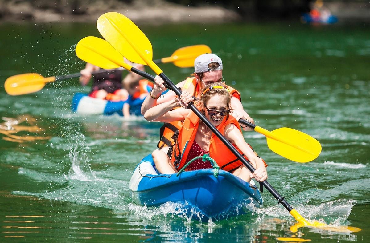 Kayak và những lưu ý cần nhớ khi chèo thuyền